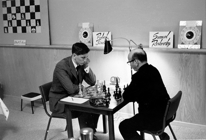 6-bobby-fischer-and-samuel-reshevsky-in-game-6-of-their-1961-match