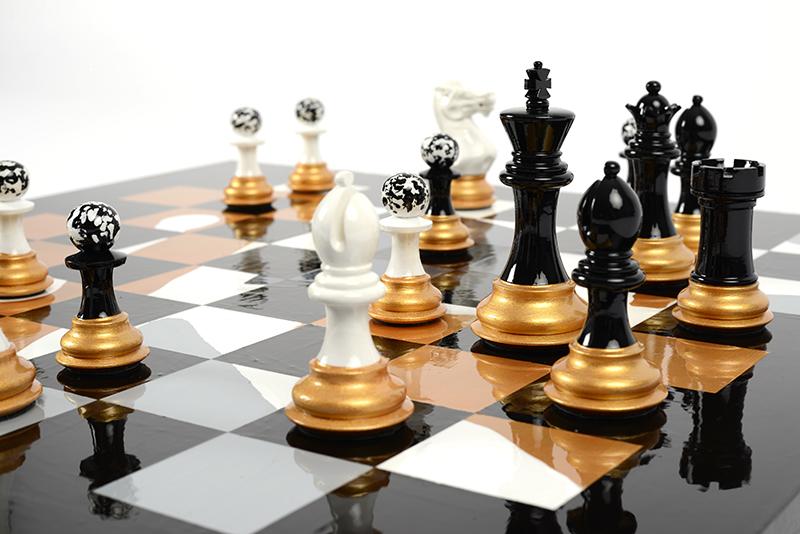 Darren John, Parallax 2.0 Chess Set, 2018