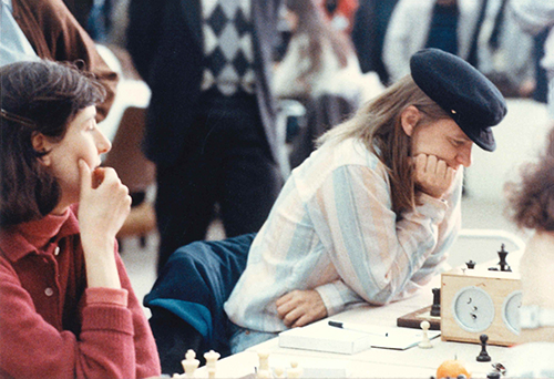WGM Anna Akhsharumova and WGM Diane Savereide at the 1988 Olympiad