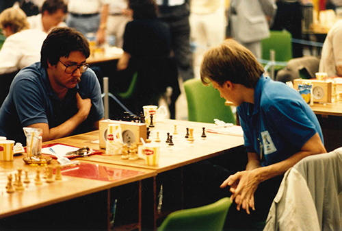 GM Larry Christiansen vs. GM Jóhann Hjartarson at the 1986 Olympiad