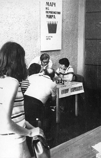 GM Nona Gaprindashvili and WGM Alla Kushnir at the 1972 Women's World Chess Championship