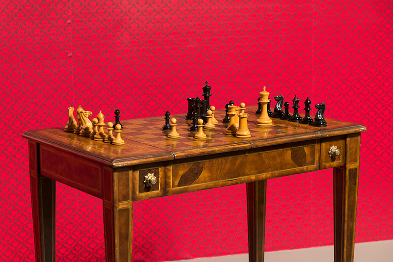 Jaques 1849 Club Size Wooden Set with English Mahogany Chess Table