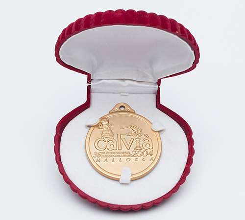 GM Susan Polgar's Individual Gold Medal from the 2004 Olympiad