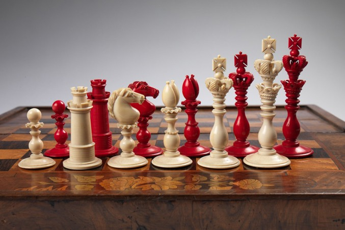 calvert-ivory-decorative-chess-setbwhite677