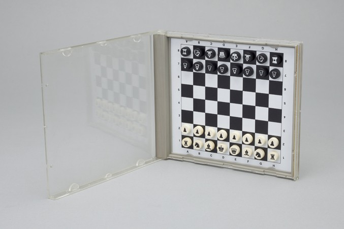 compact-chess-9-677