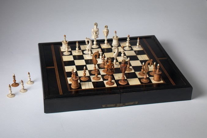 german-ivory-ebony-inlaid-box-boardbwhite677