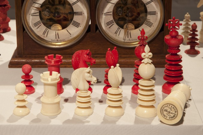 lund-stamped-large-ivory-set677