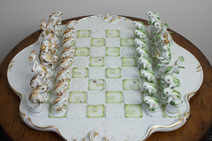 Kati Zorn, Frog Chess Set, C. 1982-1999, porcelain. Photo © Austin Fuller.