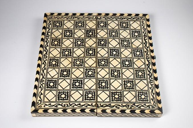 spanish-17th-century-chessboardbwhite677