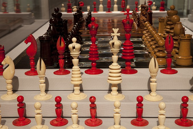 tall-ivory-chess-set677