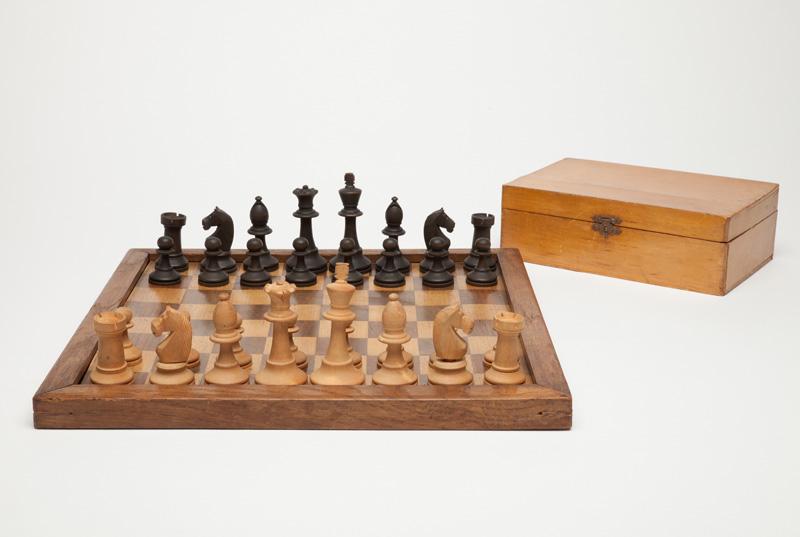 Edward Lasker Chess Set